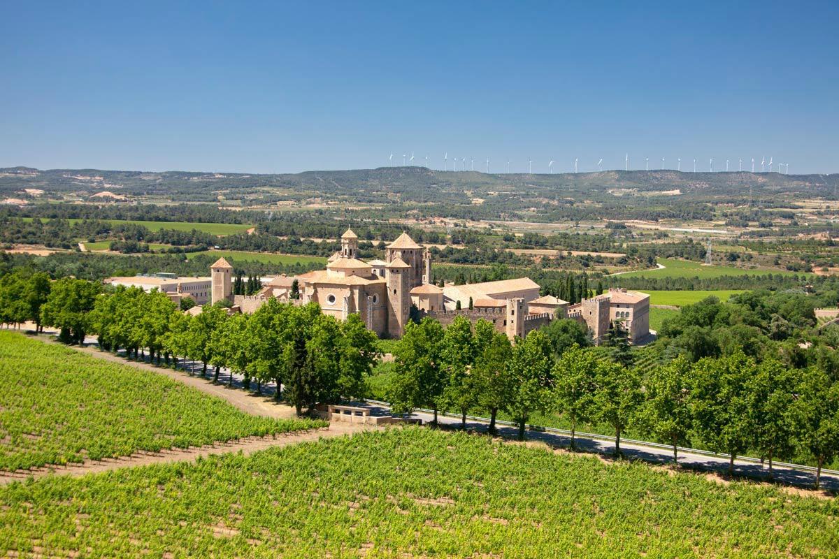 Poblet Y La Ruta Del Císter (Tarragona)