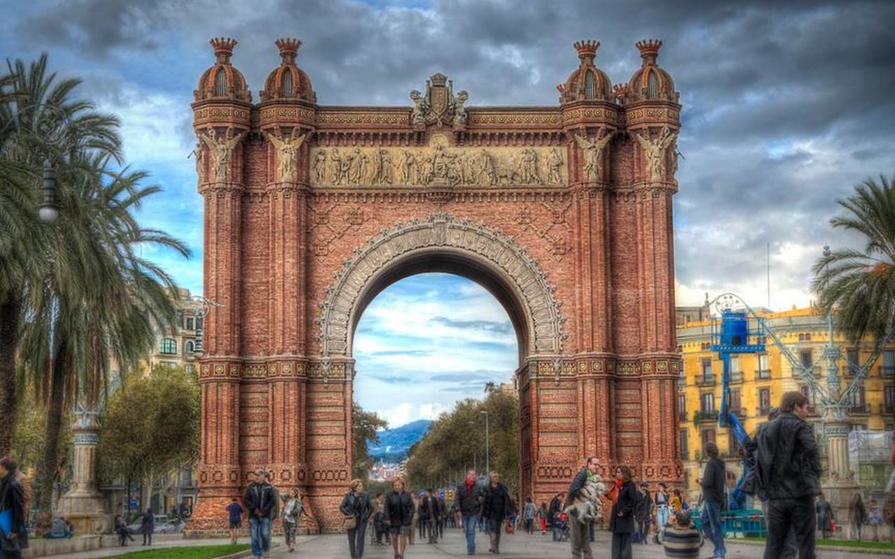 Arco De Triunfo, Barcelona – Foto Alistair Huxley