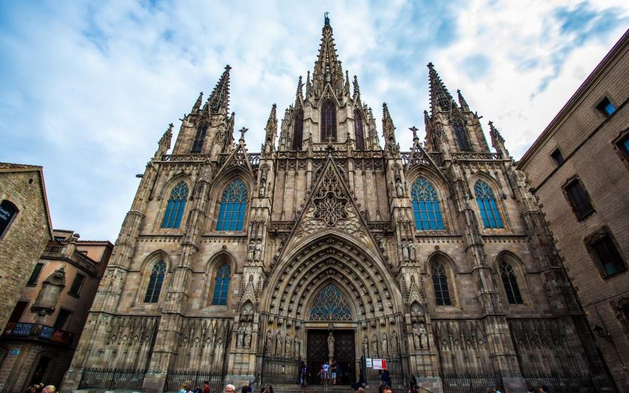Catedral De Barcelona – Foto Bok Yoon