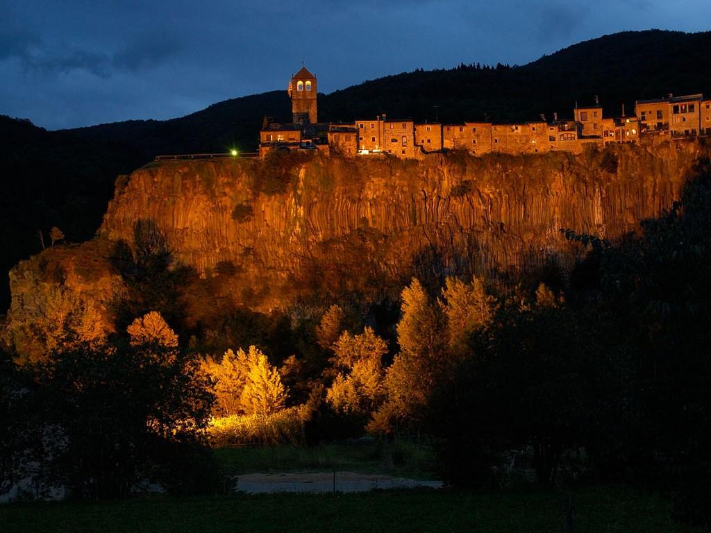 Dorpen Op Heuvels – Castellfullit De La Roca (Gerona)