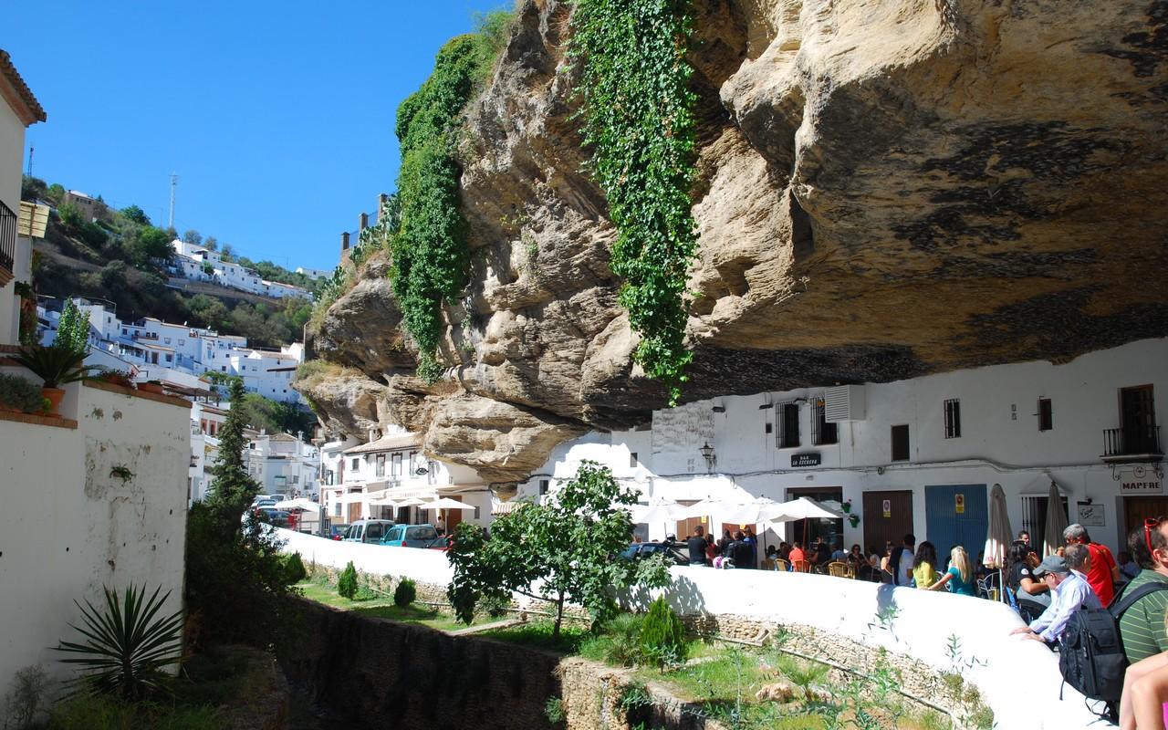 Setenil De Las Bodegas (rotsen)