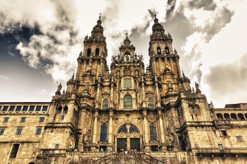 15-catedral-de-santiago-de-compostela-pabkov-getty